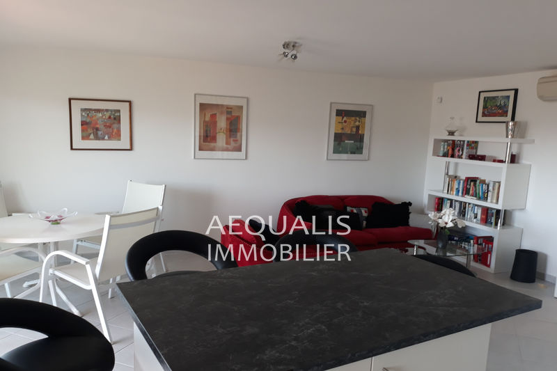Photo n°2 - Vente appartement Saint-Laurent-du-Var 06700 - 337 000 €