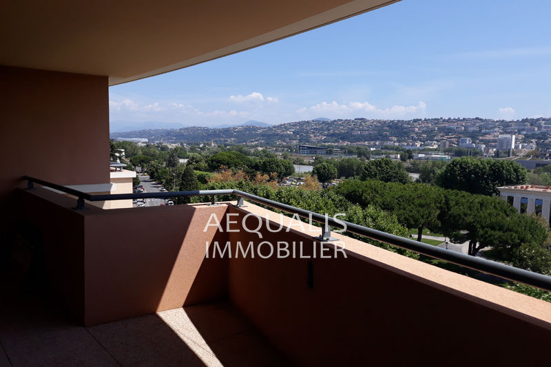 Photo n°3 - Vente appartement Saint-Laurent-du-Var 06700 - 337 000 €