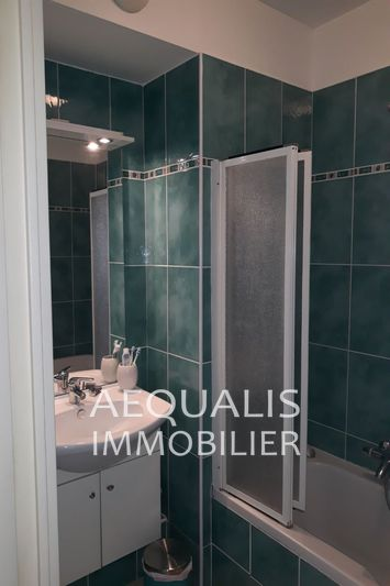 Photo n°7 - Vente appartement Saint-Laurent-du-Var 06700 - 337 000 €