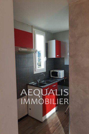 Photo Appartement Carros Centre-ville,   achat appartement  1 pièce   25 m²