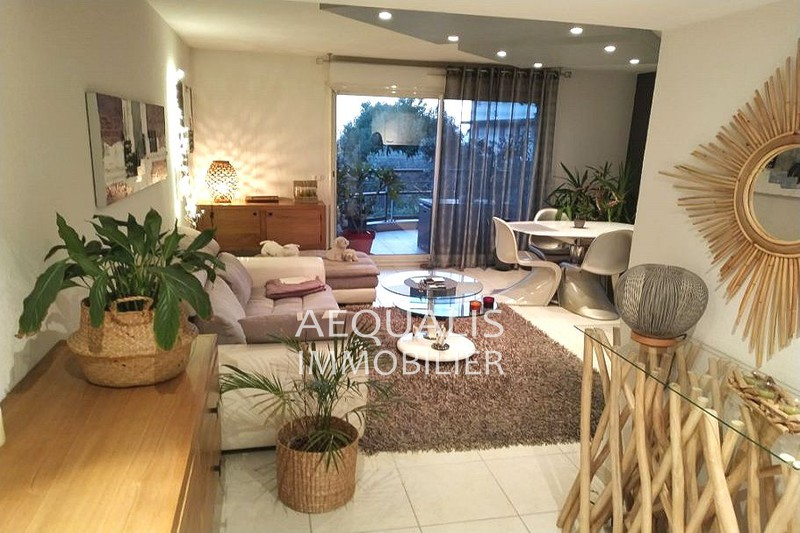 Photo Apartment Saint-Laurent-du-Var Centre-ville,   to buy apartment  3 rooms   64 m²