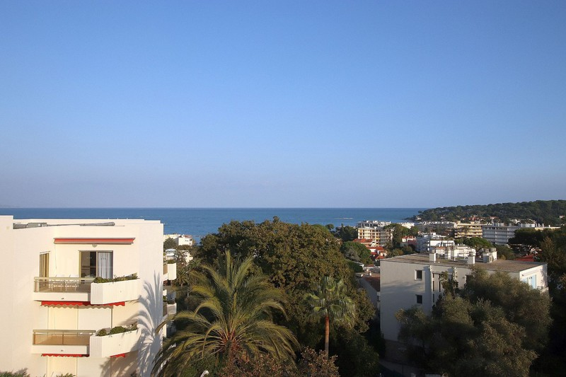 Photo n°1 - Vente appartement Juan-les-Pins 06160 - 222 000 €
