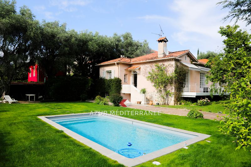 Photo Villa Saint-Jean-Cap-Ferrat Village,   achat villa   175 m²