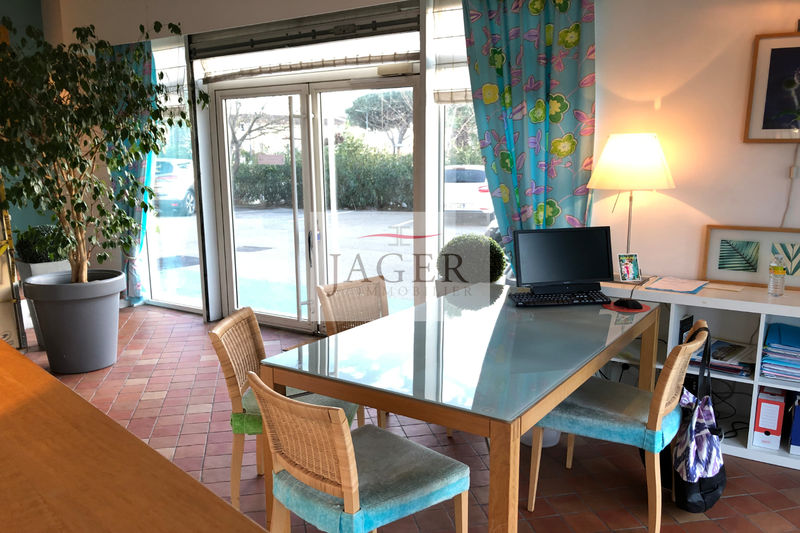 Professionnel local professionnel Grimaud  Local professionnel Grimaud Golfe de st tropez,  Professionnel local professionnel   65 m²