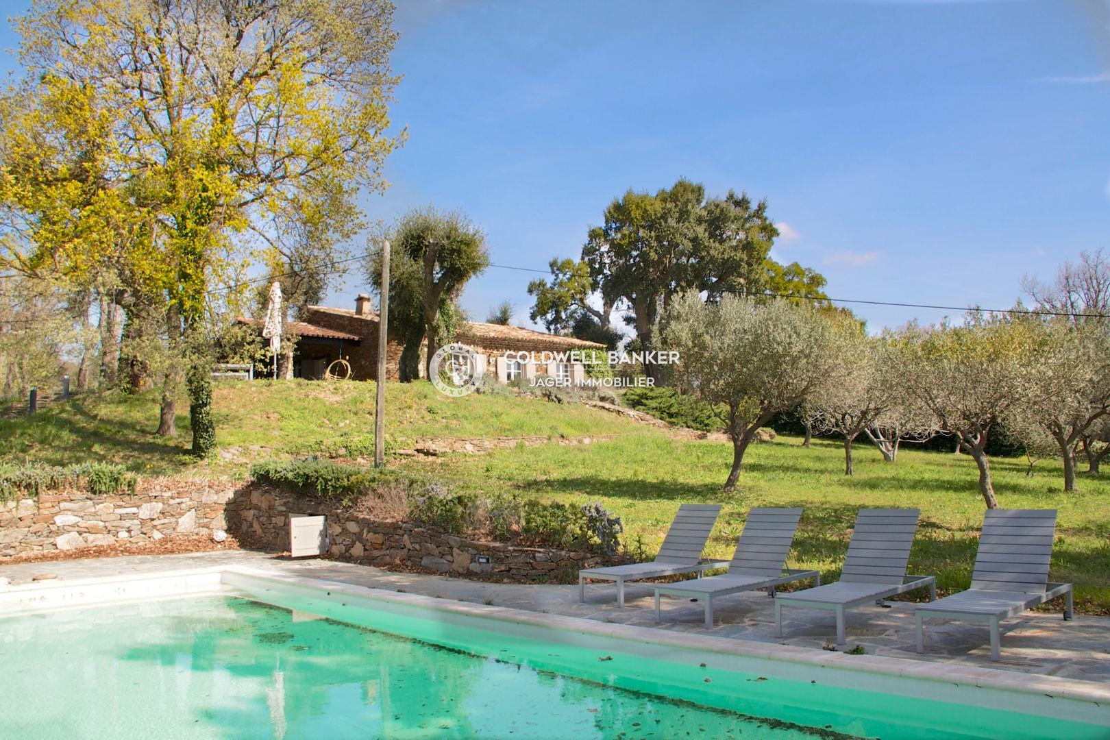 Vente maison villa la garde freinet 83680 795 000 for Piscine la garde
