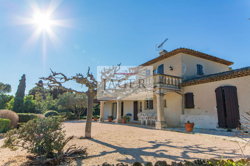 Photo Villa Grimaud Golfe de st tropez,   to buy villa  3 bedrooms   190 m²