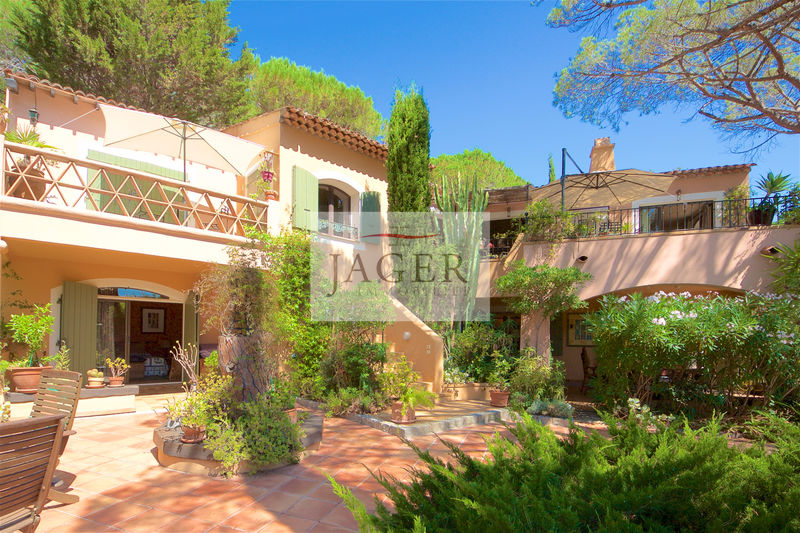 Photo Villa La Croix-Valmer Golfe de st tropez,   to buy villa  4 bedrooms   270 m²