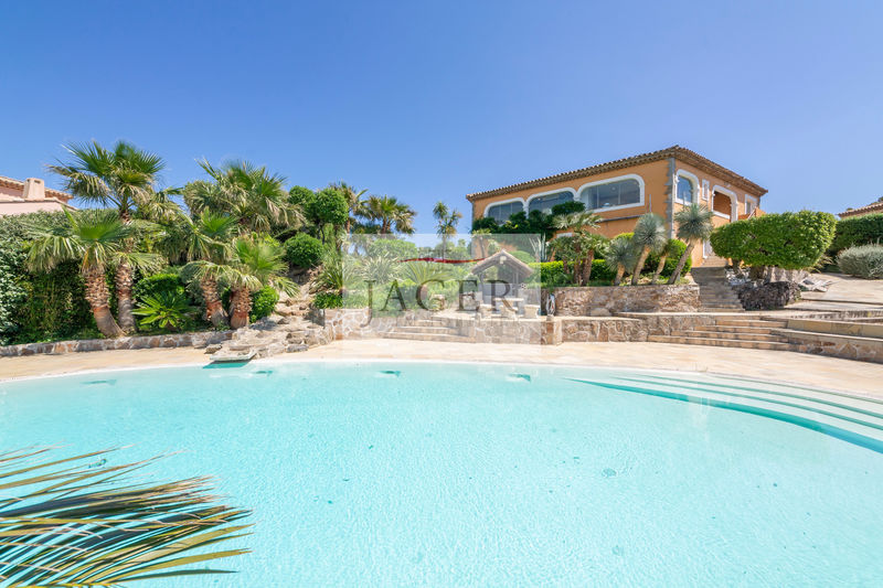 Photo Villa Sainte-Maxime Golfe de st tropez,   to buy villa  4 bedrooms   200 m²
