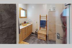Vente appartement Saint-Priest Appartement-T4-Saint-Priest-Hauts-de-Feuilly-Bathroom
