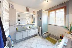 Vente villa Meyzieu 39-Rue-Louis-Pergaud-Bathroom