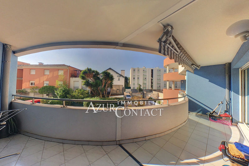 Apartment Juan-les-Pins Bord de mer,   to buy apartment  3 rooms   61 m²