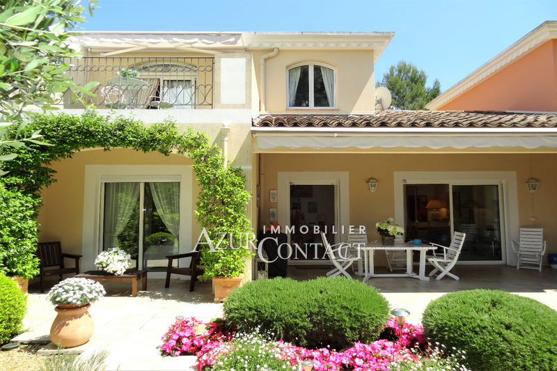 Photo Villa Mougins Golf de mougins,   achat villa  3 chambres   102 m²