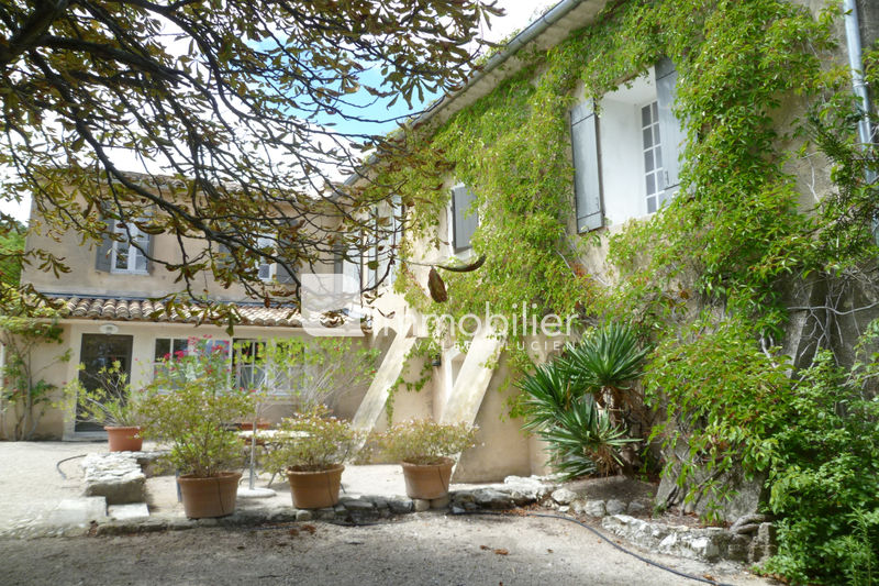 Photo Property Eygalières A 10 minutes,   to buy property  15 bedrooms   580m²