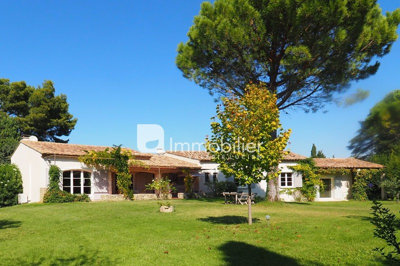 Photo Villa Saint-Rémy-de-Provence A 5 minutes ,   to buy villa  4 bedrooms   200 m²