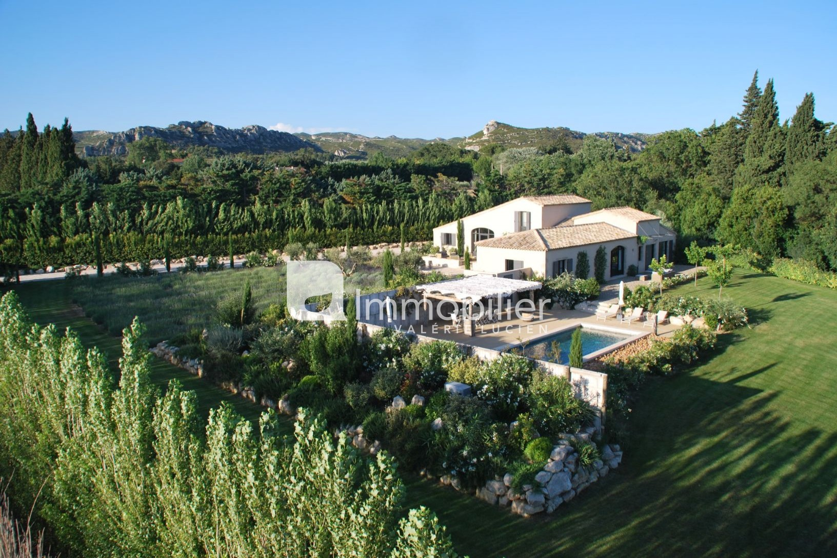 Photo Stone house Maussane-les-Alpilles A 2 minutes,   to buy stone house  5 bedrooms   300m²