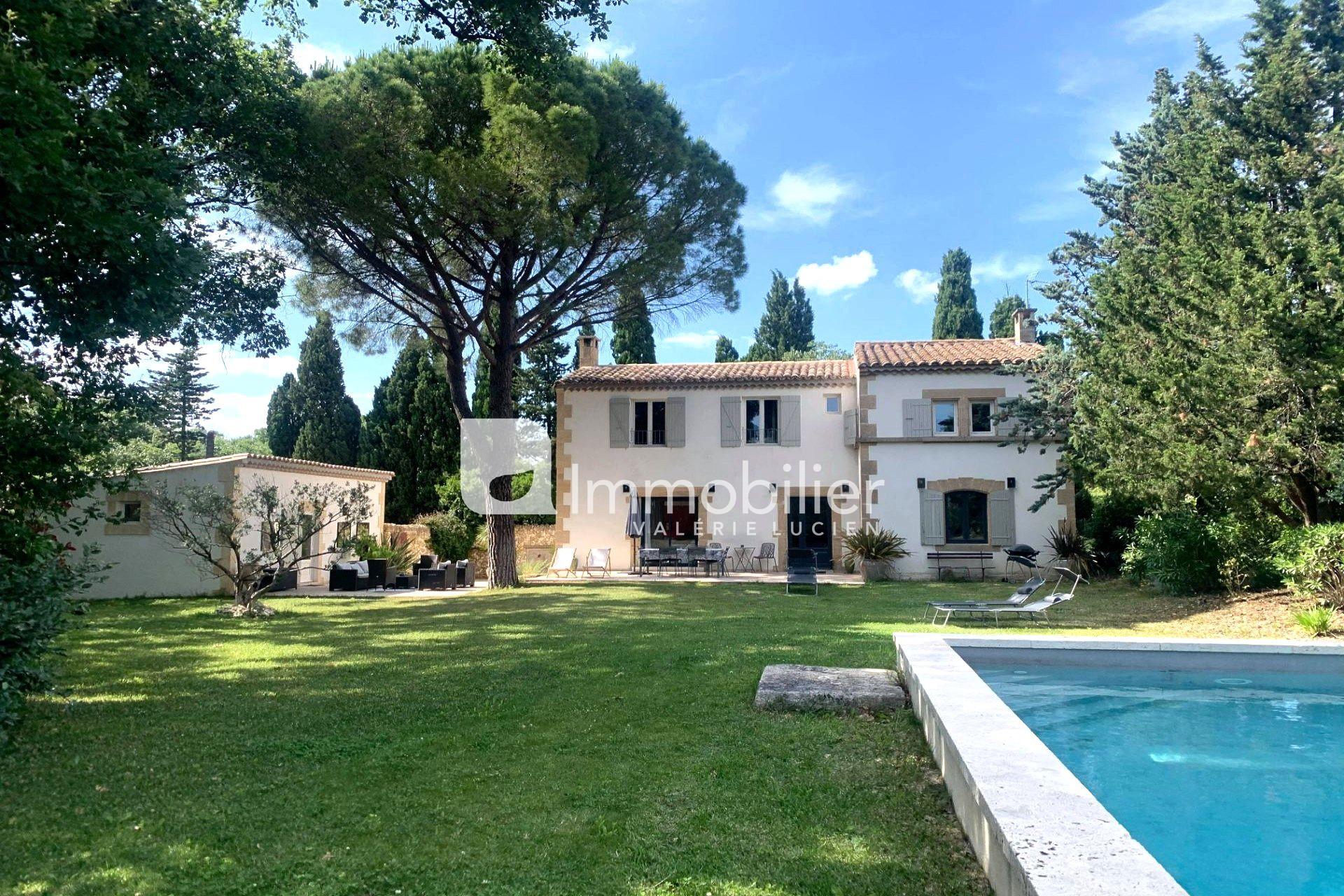 Photo Maison Saint-Rémy-de-Provence A pied du centre-ville,   achat maison  5 chambres   200m²