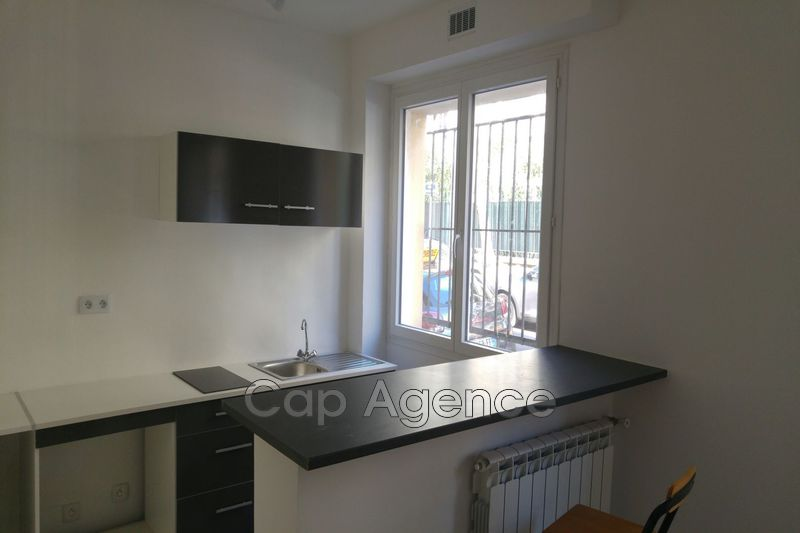 appartement  1 room  Antibes Downtown  21 m² -