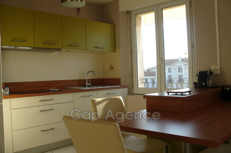 Photo Appartement Antibes Centre ville,  Location appartement  2 pièces   54 m²