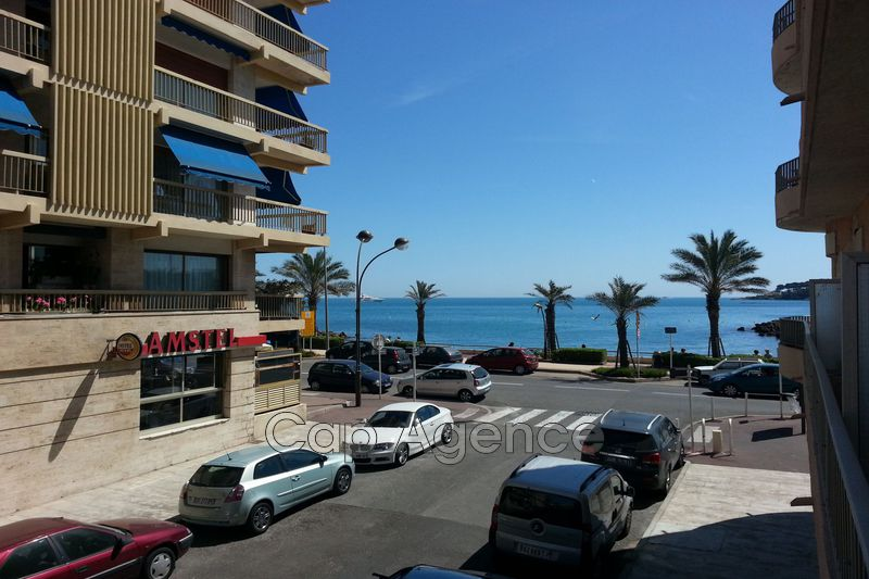 Photo Apartment Antibes Bord de mer,  Location saisonnière apartment  2 rooms   55 m²