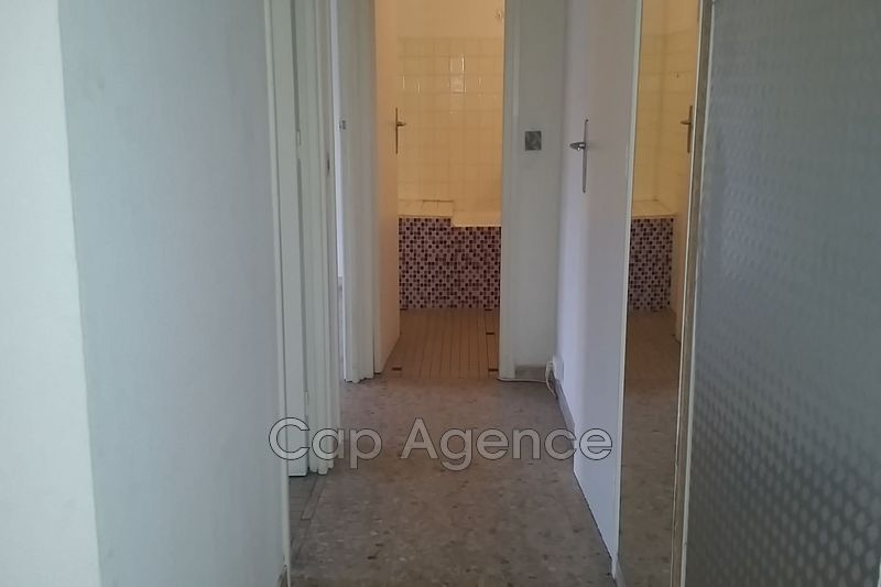 Photo n°4 - Location appartement Antibes 06600 - 670 €