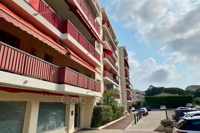 appartement  2 pièces  Antibes Hauteurs  54m² -