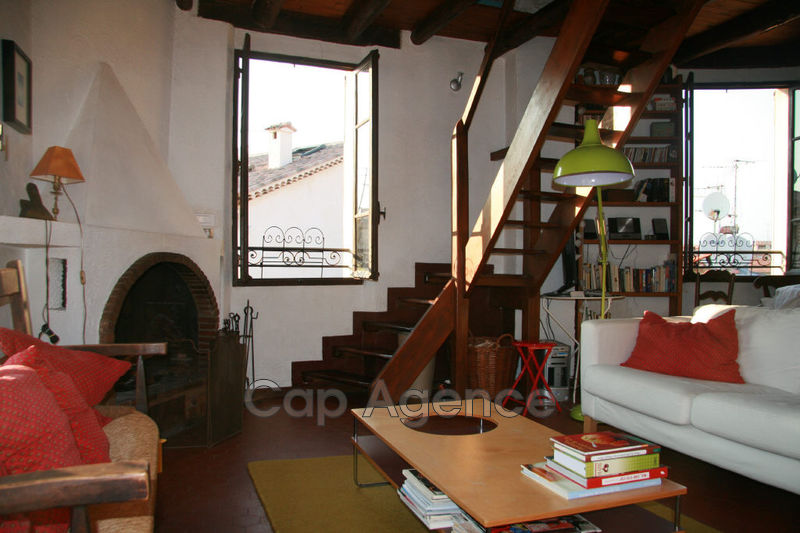 Photo Apartment on 3 levels Antibes Vieil antibes,  Location saisonnière apartment on 3 levels  4 rooms   65 m²