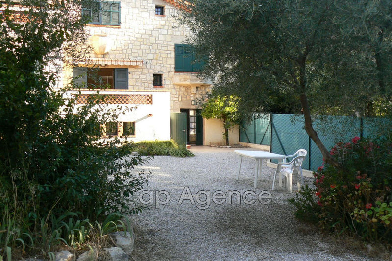 Townhouse Antibes Ponteil,  Location saisonnière townhouse  3 bedrooms   67 m²
