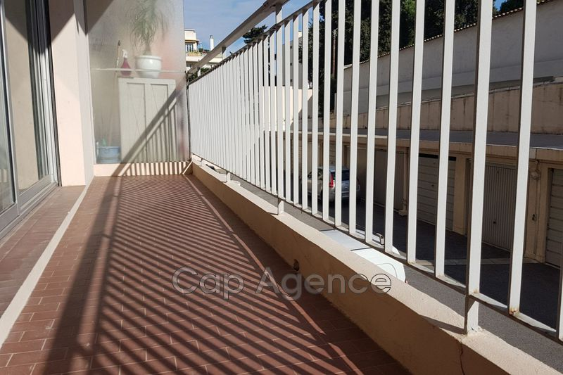 appartement  studio  Antibes Centre ville  29 m² -