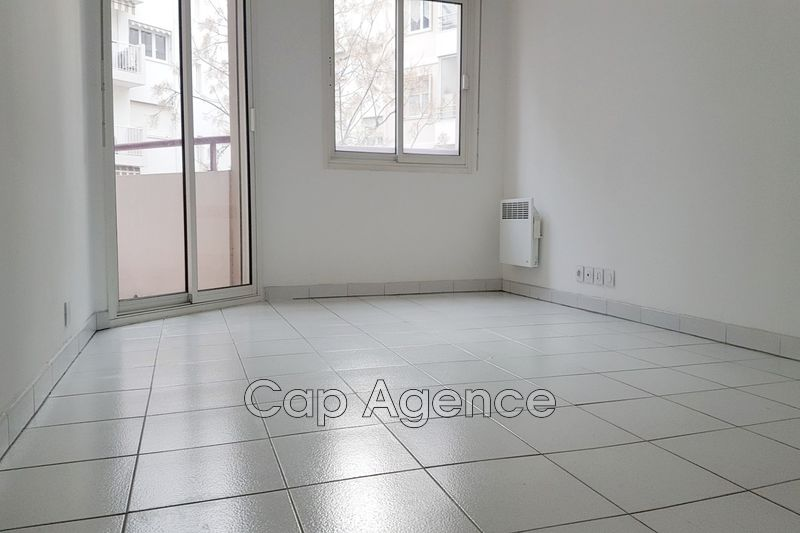 appartement  2 rooms  Antibes Downtown  33 m² -