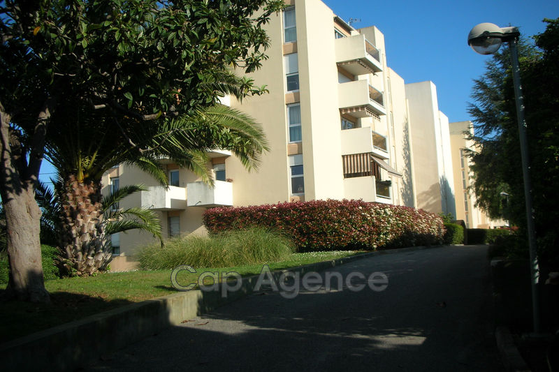 appartement  4 rooms  Antibes Heights  74 m² -