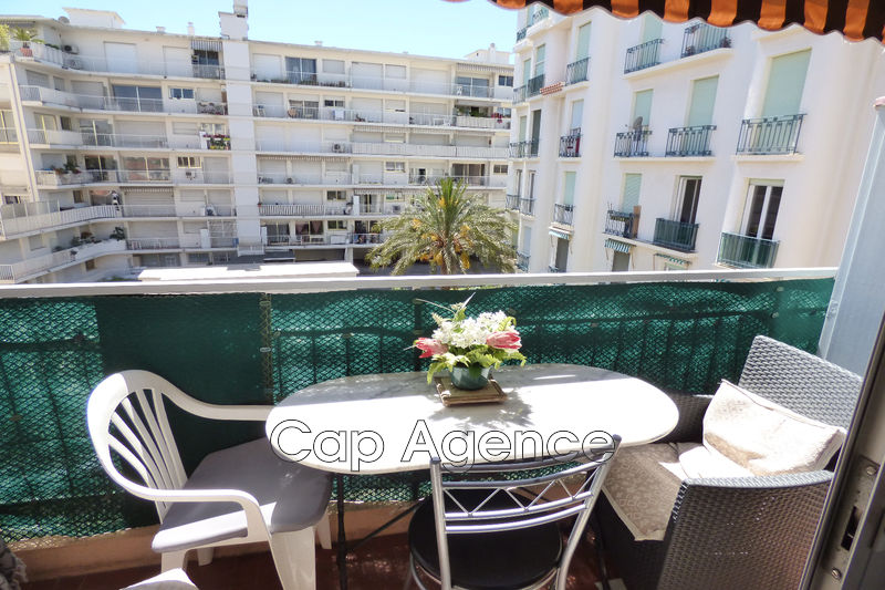 appartement  studio  Juan-les-Pins Centre ville  22 m² -