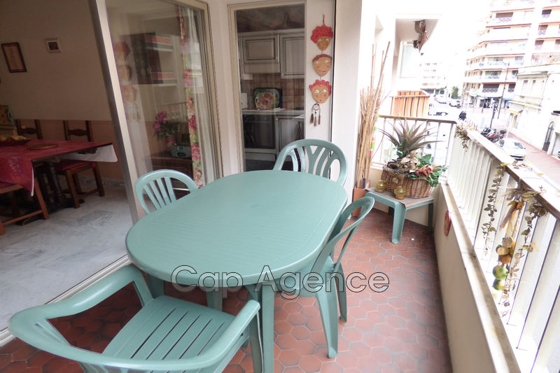 Photo Appartement Antibes Centre ville,   achat appartement  3 pièces   71 m²