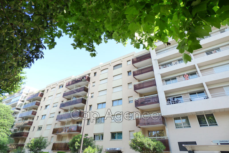 appartement  2 rooms  Juan-les-Pins Downtown  37 m² -
