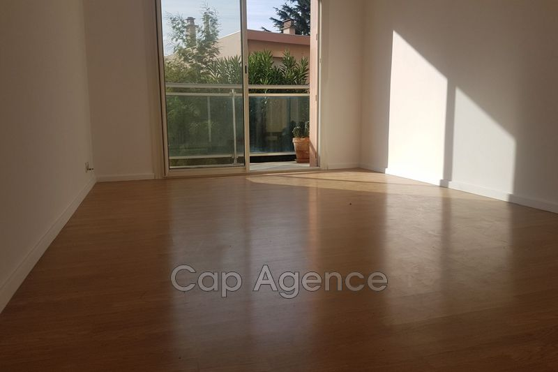 Photo n°3 - Vente appartement Antibes 06600 - 214 000 €