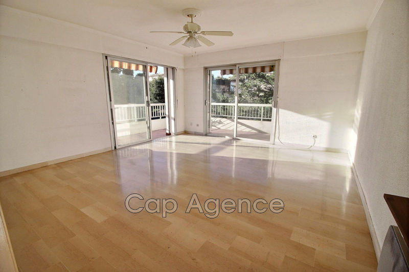 Photo Appartement Antibes Fontmerle,   achat appartement  2 pièces   52 m²