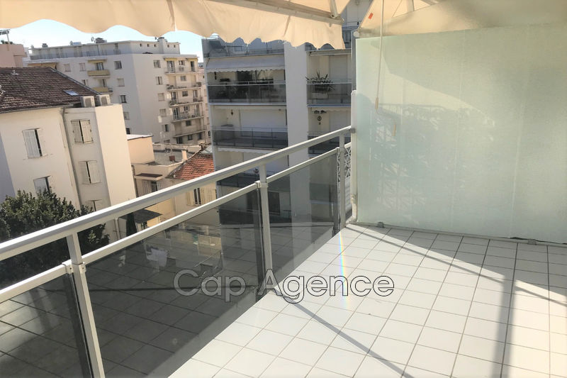 Photo Apartment Juan-les-Pins Centre ville,   to buy apartment  3 rooms   64 m²