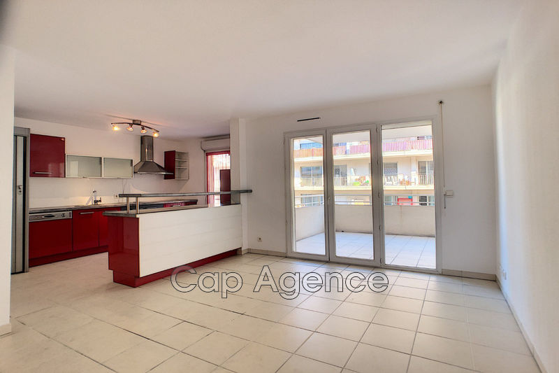 appartement  4 rooms  Antibes Downtown  88 m² -