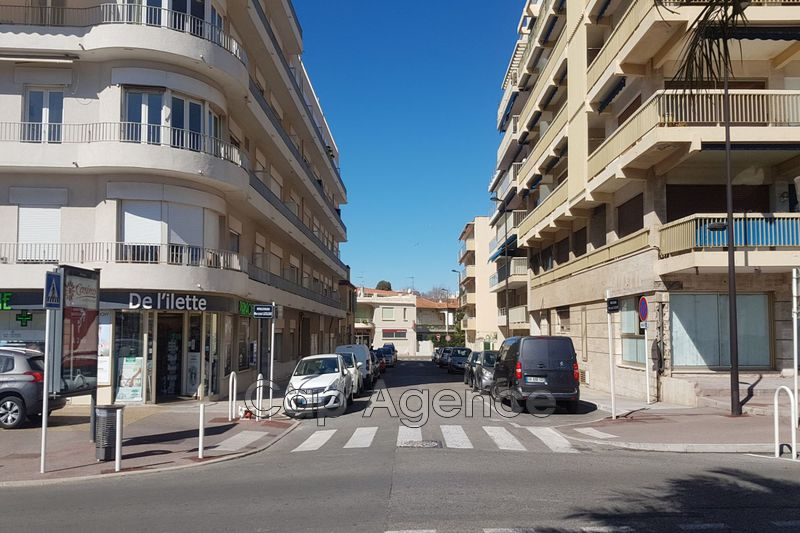 appartement  3 rooms  Antibes Close ti the beaches  70 m² -