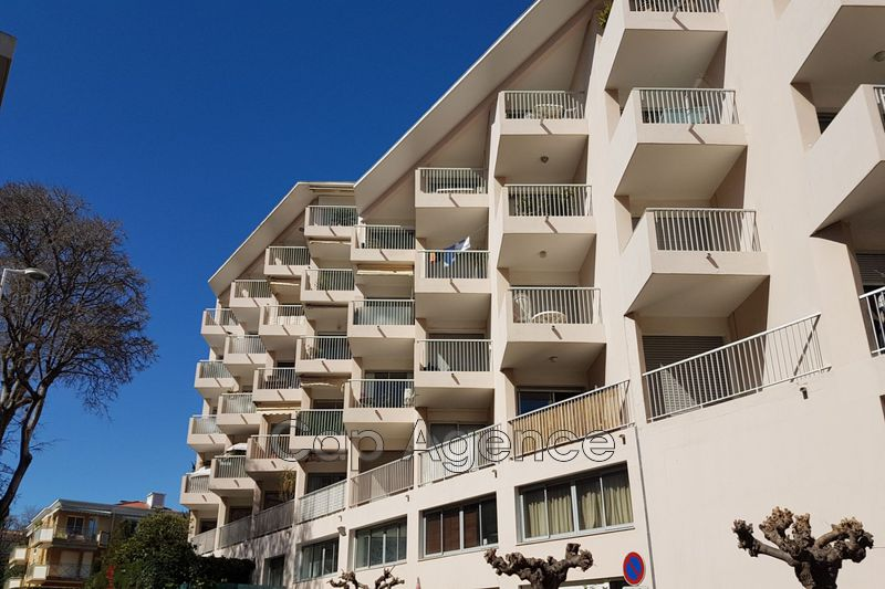 appartement  3 rooms  Antibes Close ti the beaches  72 m² -