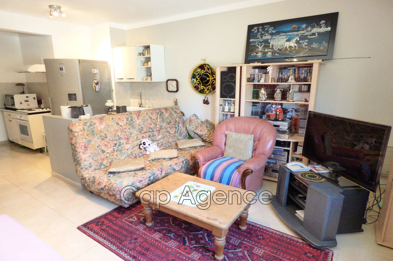 appartement  1 room  Antibes Near city centre  30 m² -