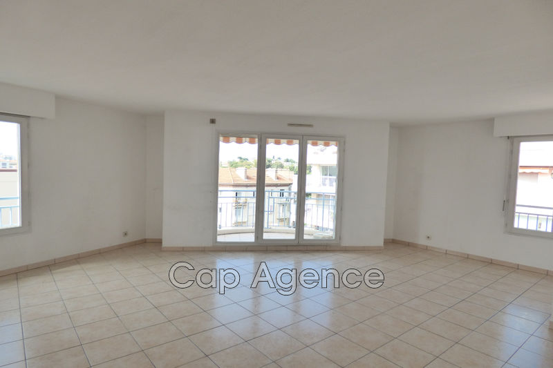Photo Apartment Antibes Centre ville,   to buy apartment  4 rooms   89 m²