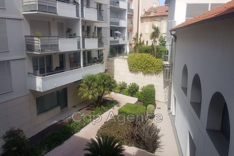 Photo Apartment Antibes Centre ville,   to buy apartment  1 room   20 m²