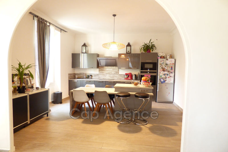 appartement  3 rooms  Antibes Near city centre  85 m² -