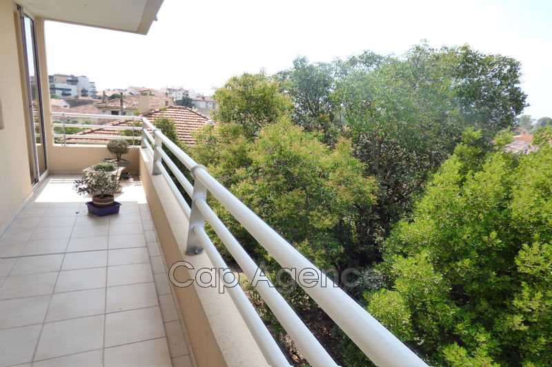 appartement  4 rooms  Antibes Near city centre  88 m² -