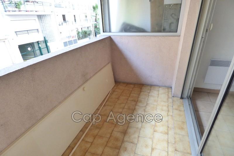 Photo n°2 - Vente appartement Juan-les-Pins 06160 - 106 000 €
