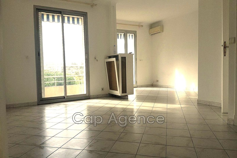 appartement  2 rooms  Antibes Downtown  57 m² -
