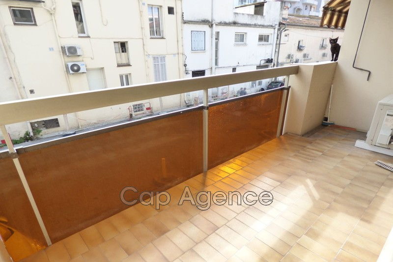 appartement  1 room  Juan-les-Pins Close ti the beaches  23 m² -
