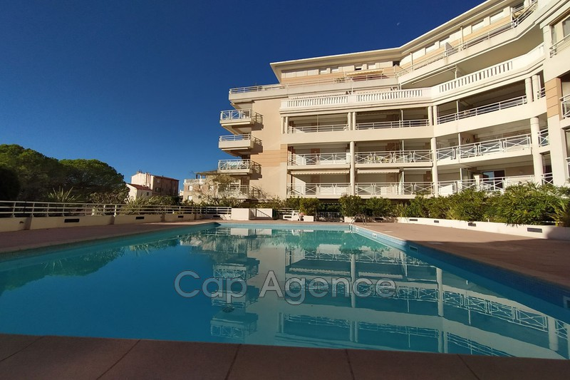 appartement  2 rooms  Golfe-Juan Close ti the beaches  43 m² -