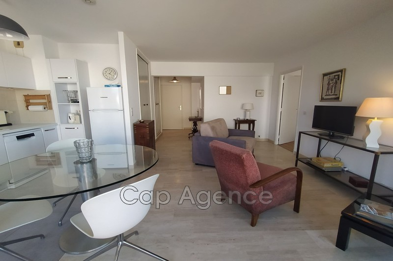 Photo Apartment Antibes Centre ville,   to buy apartment  2 rooms   46 m²