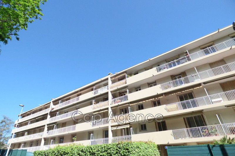 Photo Apartment Antibes Roi soleil,   to buy apartment  2 rooms   52 m²